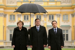 Bronisław Komorowski bez parasola dla Nicolasa Sarkozy