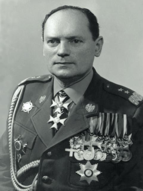 https://bliskopolski.pl/pliki/grzegorz-korczynski.jpg