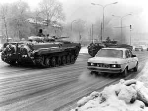 Stan wojenny - czołgi na ulicach